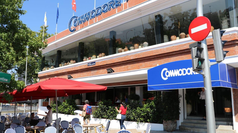 Fachada del restaurante Commodore en Plaza de la República Argentina, 5, Madrid.
