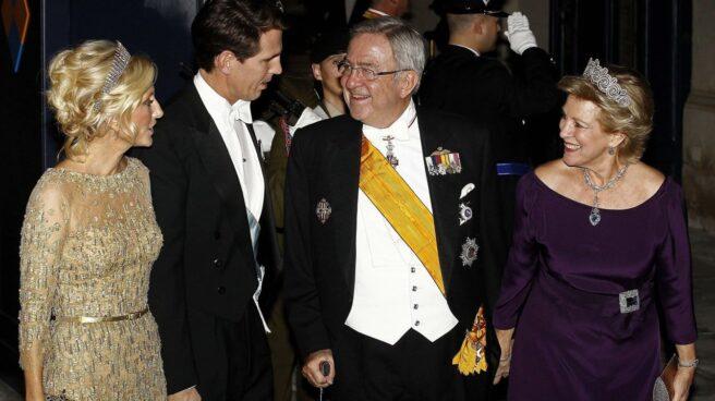 El rey Constantino y Ana María, junto a Pablo de Grecia y Marie-Chantal Miller.