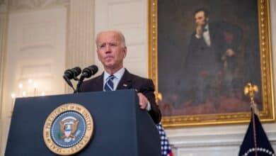 """Joe Biden y Xi Jinping hablan por teléfono para """"evitar un conflicto"""""""