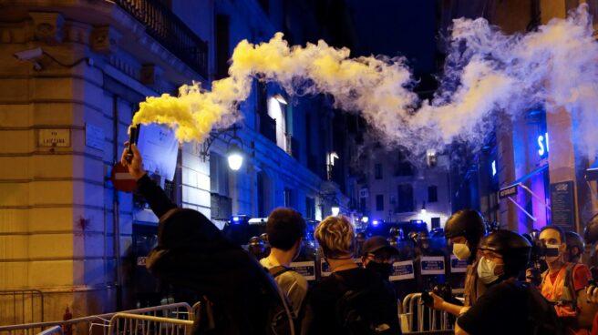 Disturbios frente a la Jefatura de la Policía Nacional en Via Laietana.