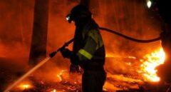 El incendio en Lugo alcanza ya las 900 hectáreas y se acerca a los núcleos de población
