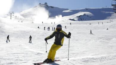 Las estaciones de esquí preparan la temporada tras un año en balde por las restricciones