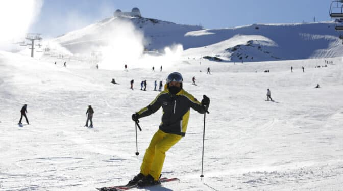 Las estaciones de esquí preparan la temporada