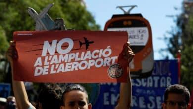 """Ir contra la ampliación de El Prat es """"defender la vida"""", según Ada Colau"""