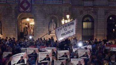 Centenares de personas se concentran en Cataluña en apoyo a Puigdemont