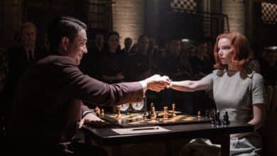 Los Emmy se rinden a Netflix gracias a 'The Crown' y 'Gambito de dama'