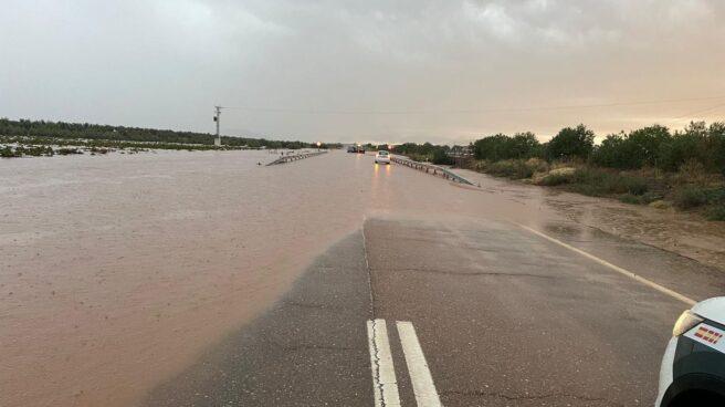 Inundaciones en el tramo de la A-66 entre las poblaciones de Almendralejo y Villafranca de los Barros en la provincia de Badajoz.