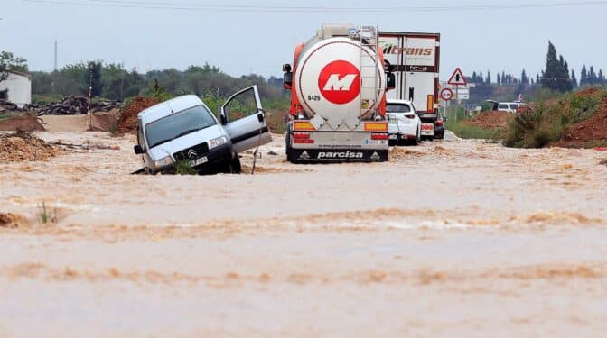Las lluvias torrenciales causan graves inundaciones en Cataluña y Valencia