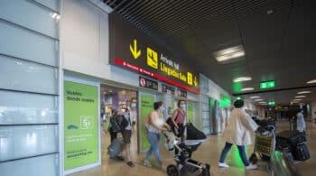 """Aena eliminará """"en los próximos días"""" las restricciones de entrada a los aeropuertos"""