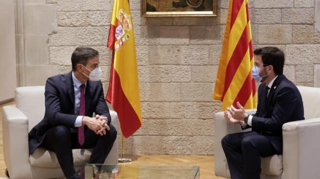 Pedro Sánchez y Pere Aragonés, en el Palau de la Generalitat.