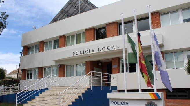 Fachada de la policía local de Fuengirola