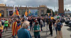 Un centenar de independentistas cortan Plaza España en protesta por la visita de Felipe VI