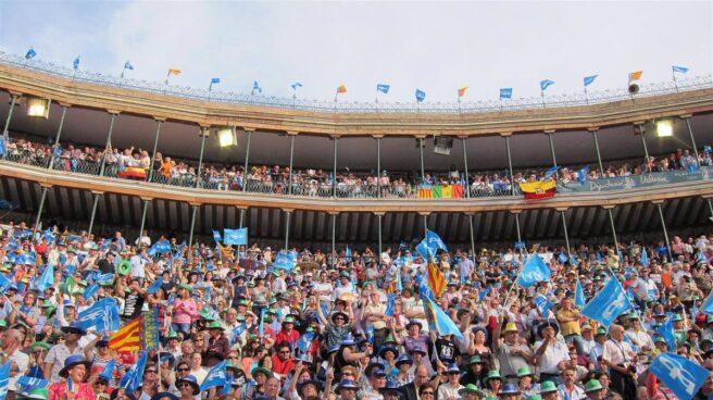 Fotografía de archivo. Mitin de Mariano Rajoy y Francisco Camps en la plaza de toros de Valencia.