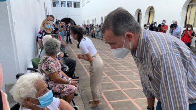Los reyes visitan a los afectados por el volcán de La Palma