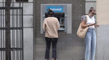 Sabadell calcula que las recolocaciones solo evitarían el despido de 60 trabajadores