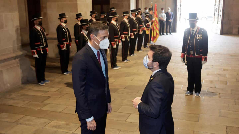 Aragonés recibe a Pedro Sánchez y arranca la mesa de diálogo en la Generalitat