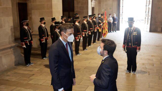 Pedro Sánchez y Pere Aragonès, en el Palau de la Generalitat.