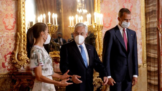 El presidente de Chile, Sebastián Piñera, junto a los reyes Felipe y Letizia.