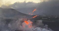 La lava del volcán de La Palma llega al mar en Tazacorte
