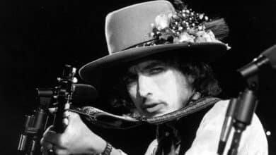 Los 60 años de Bob Dylan sobre el escenario: 'artista del trapecio' y Premio Nobel de Literatura
