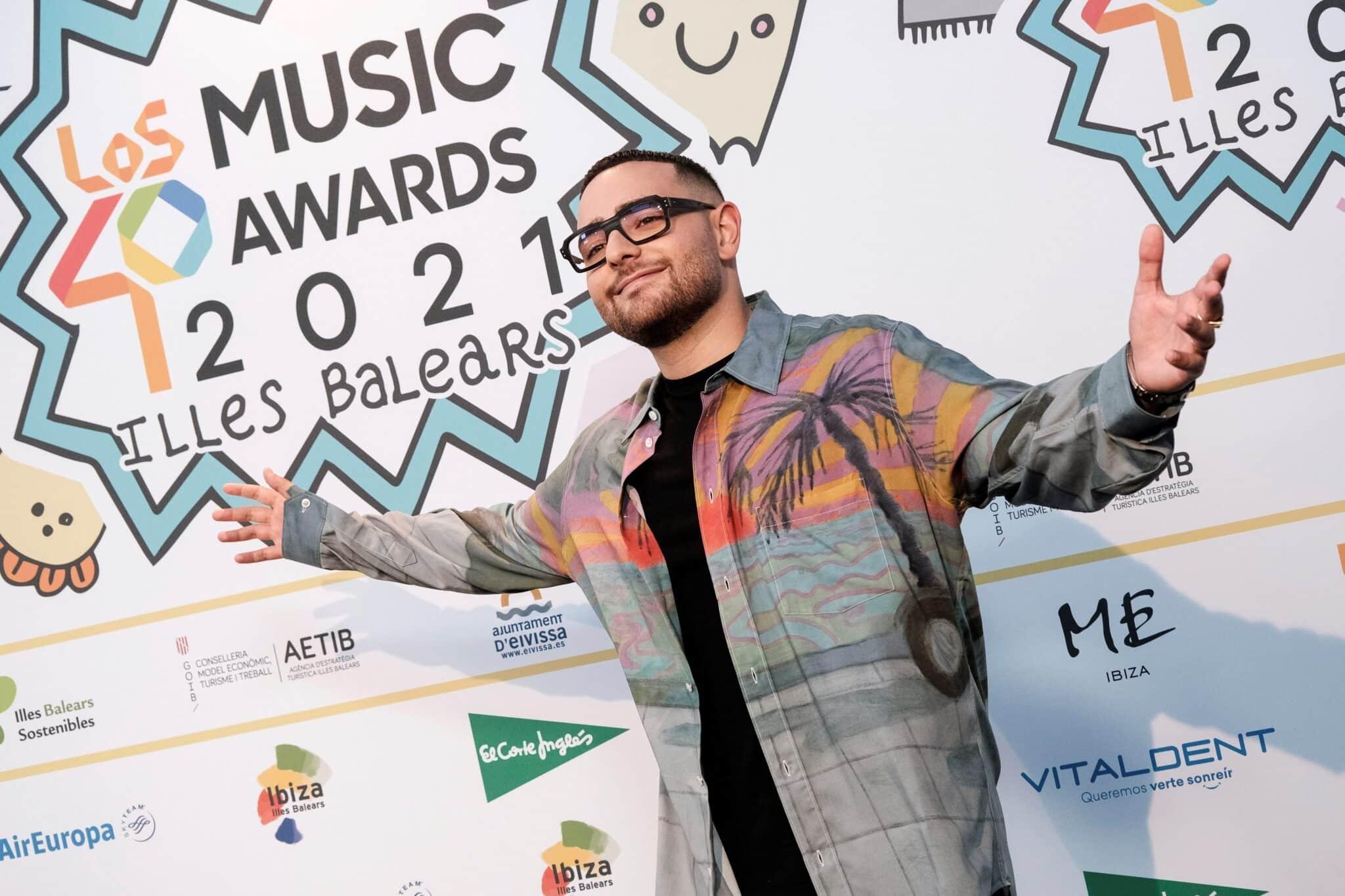 El rapero italiano Rocco Hunt. en la cena de nominados de Los 40 Music Awards