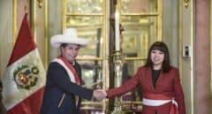 Pedro Castillo modera el tono del gobierno peruano: Bellido sale y Vásquez entra