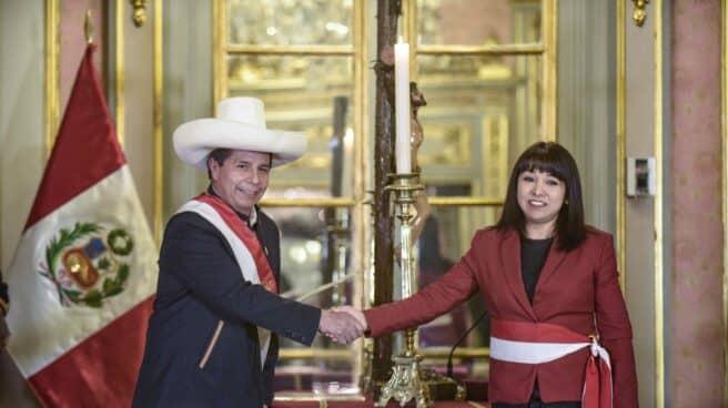 Pedro Castillo en la jura de Mirtha Vésquez como jefa del gobierno