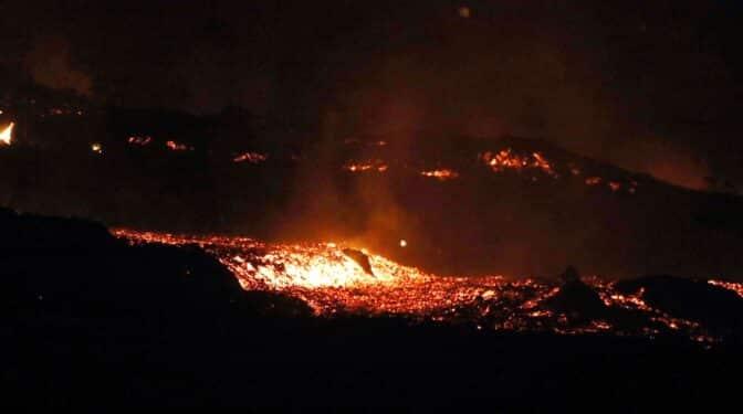 """Stavros Meletlidis, vulcanólogo: """"Es el volcán que más ha afectado a la isla en los últimos 400 años"""""""