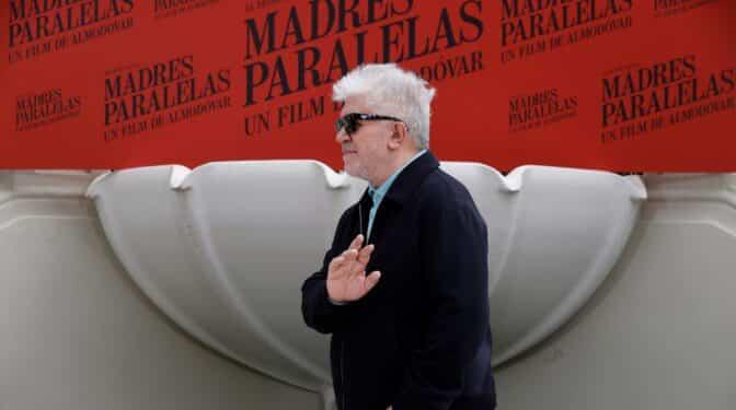 'Madres Paralelas', Almodóvar hace memoria histórica y política