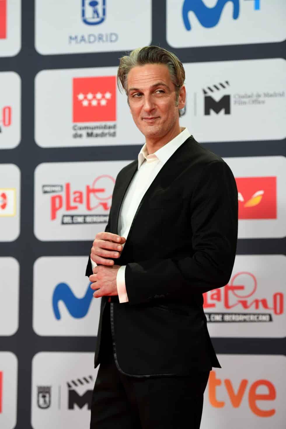 El actor Ernesto Alterio, a su llegada a la ceremonia de entrega de los Premios Platino del Cine y el Audiovisual Iberoamericano que se celebra este domingo en Madrid