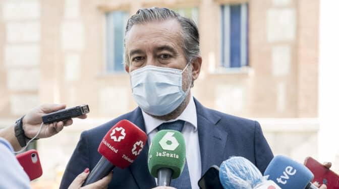 El PSOE vincula a la cúpula del PP en el 'caso Kitchen' y cita a Enrique López para declarar en el Congreso
