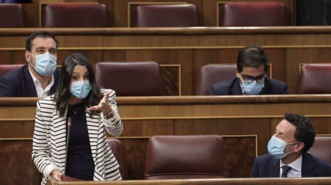 La presidenta de Cs, Inés Arrimadas, interviene en una sesión de control al Gobierno en el Congreso de los Diputados
