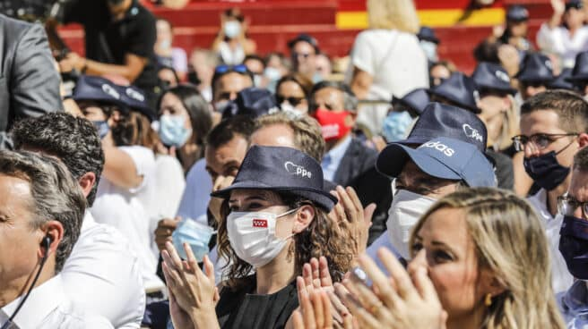 La presidenta de la Comunidad de Madrid, Isabel Díaz Ayuso, en el acto de clausura de la Convención del PP, en la Plaza de Toros.