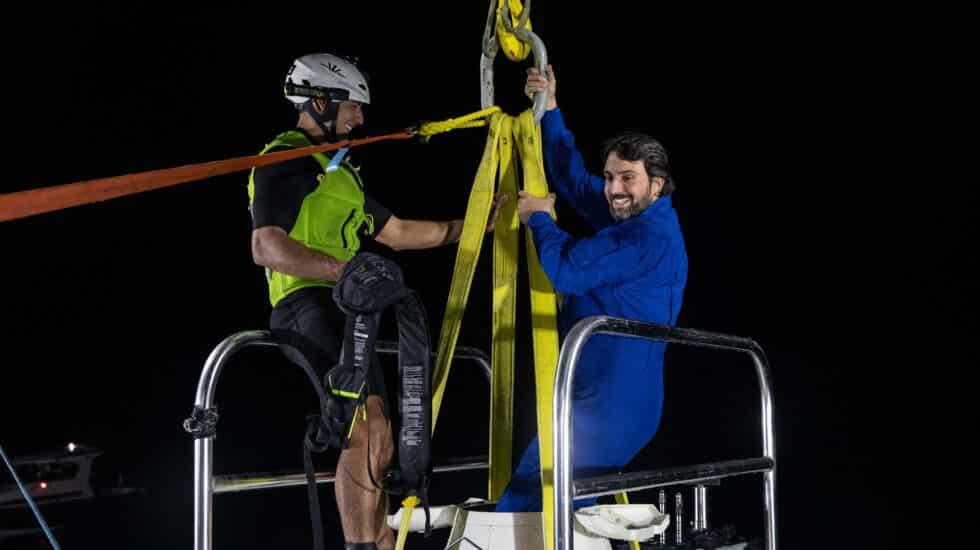 El español Héctor Salvador, tras bajar a uno de los puntos más profundos del océano