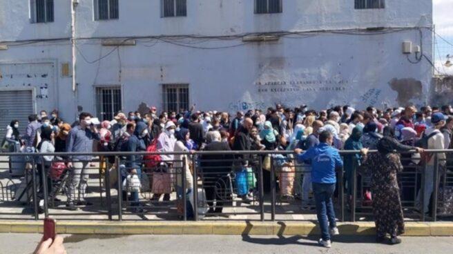 Archivo - España gestiona con Marruecos el permiso de paso de 70 marroquíes en Melilla que no acudieron a su cita el viernes
