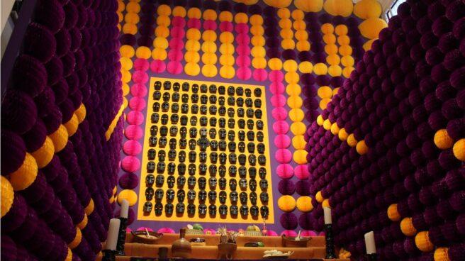Altar de Casa de México con motivo del Día de Muertos 2021