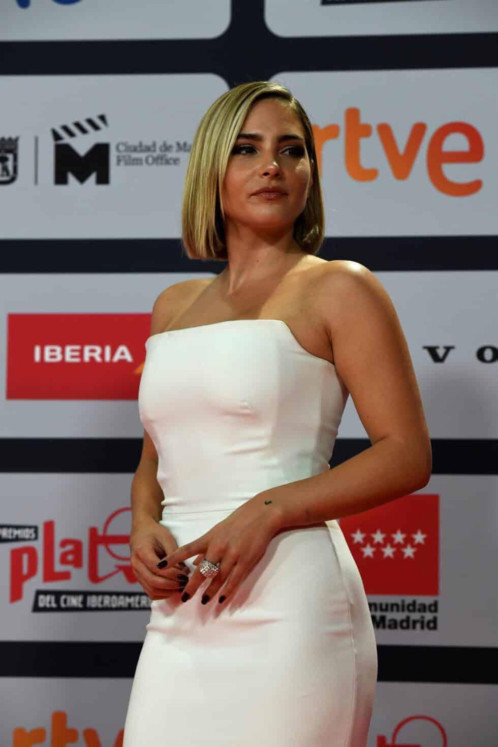 La actriz Andrea Duro, a su llegada a la ceremonia de entrega de los Premios Platino del Cine y el Audiovisual Iberoamericano que se celebra este domingo en Madrid