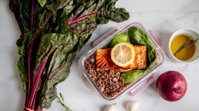 Imagen de verduras y comida propia de la dieta cetogénica