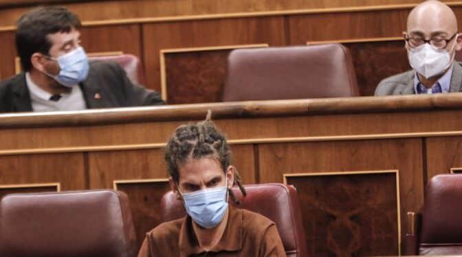 Alberto Rodríguez tendrá que dejar su escaño tras la condena del Supremo por dar una patada a un policía