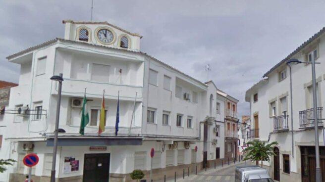 Fachada del ayuntamiento de Huesa, en Jaén.
