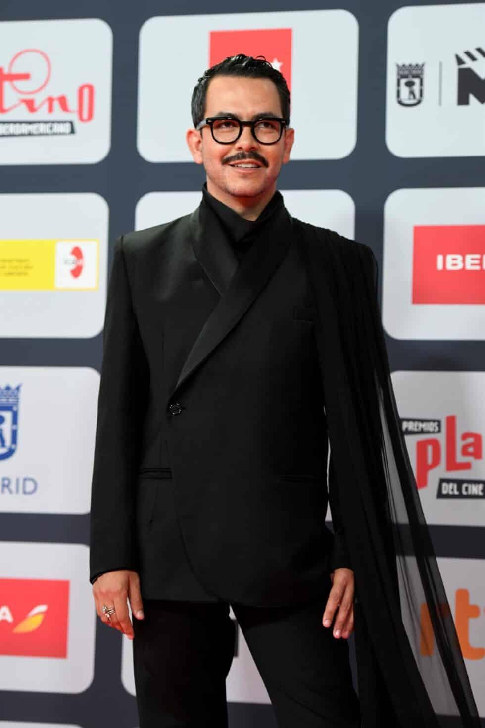 El actor y director Manolo Caro, a su llegada a la ceremonia de entrega de los Premios Platino del Cine y el Audiovisual Iberoamericano que se celebra este domingo en Madrid