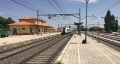 Un tren que une Valencia y Albacete se detiene en Almansa tras arrollar a una persona