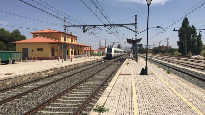 Vías de la estación de tren de Almansa