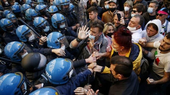 Protestas contra las restricciones por el coronavirus en Roma, Italia