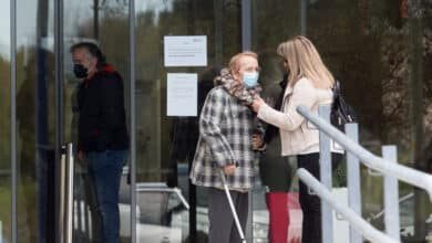 Los hospitales de la Comunidad de Madrid permiten desde este lunes visitas y acompañamiento a pacientes no Covid